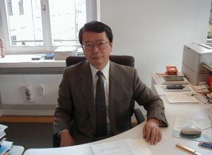 日本貿易振興機構(ジェトロ)ミュンヘン事務所 所長 新井 俊三